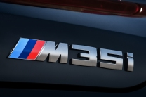 P90320392_highRes_the-new-bmw-x2-m35i-